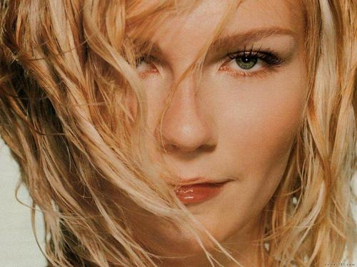 Kirsten Dunst wallpaper containing a portrait called Kirsten Dunst