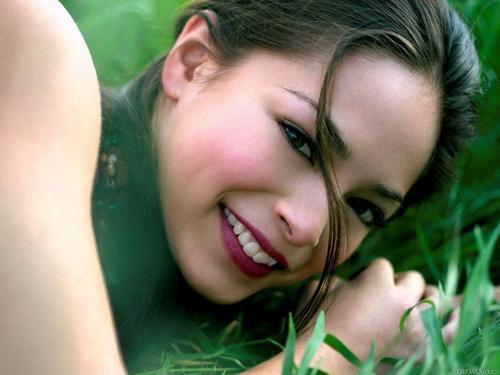 Kristen Kreuk - kristin-kreuk Wallpaper