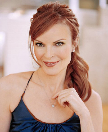 Desperate Housewives wallpaper probably containing a portrait called Marcia Cross