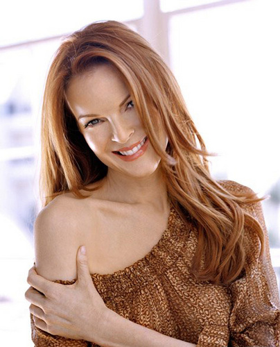 Desperate Housewives wallpaper containing attractiveness, a pullover, and a portrait called Marcia Cross