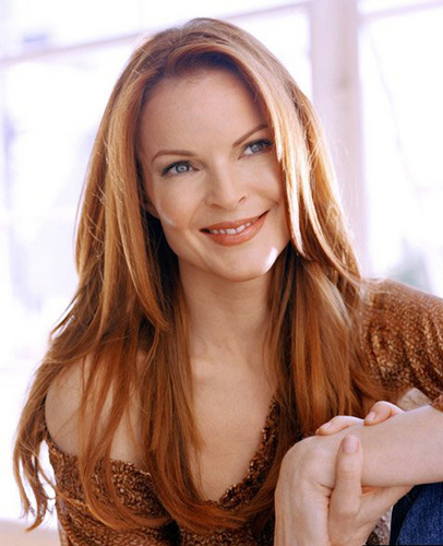 Desperate Housewives wallpaper containing a portrait titled Marcia Cross