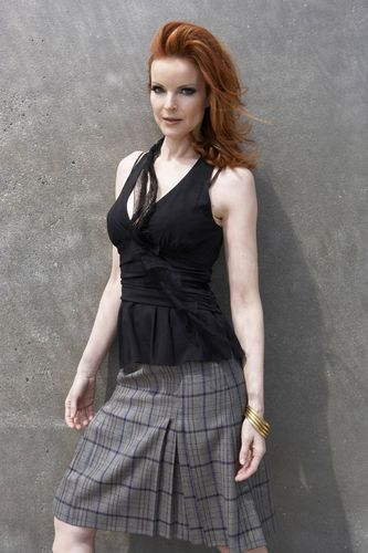 Desperate Housewives wallpaper possibly containing a cocktail dress, a gathered skirt, and a strapless called Marcia Cross