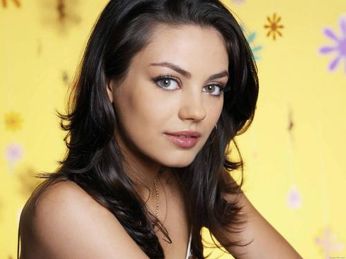 Mila Kunis Hintergrund containing a portrait and attractiveness entitled Mila Kunis