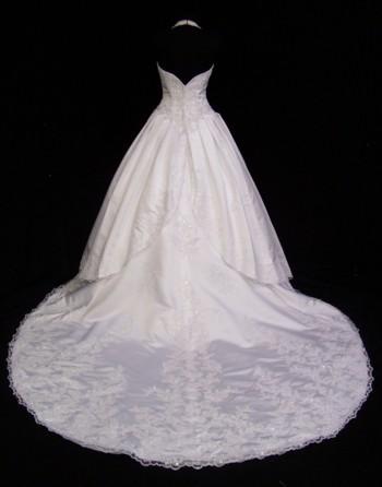 Wedding गाउन