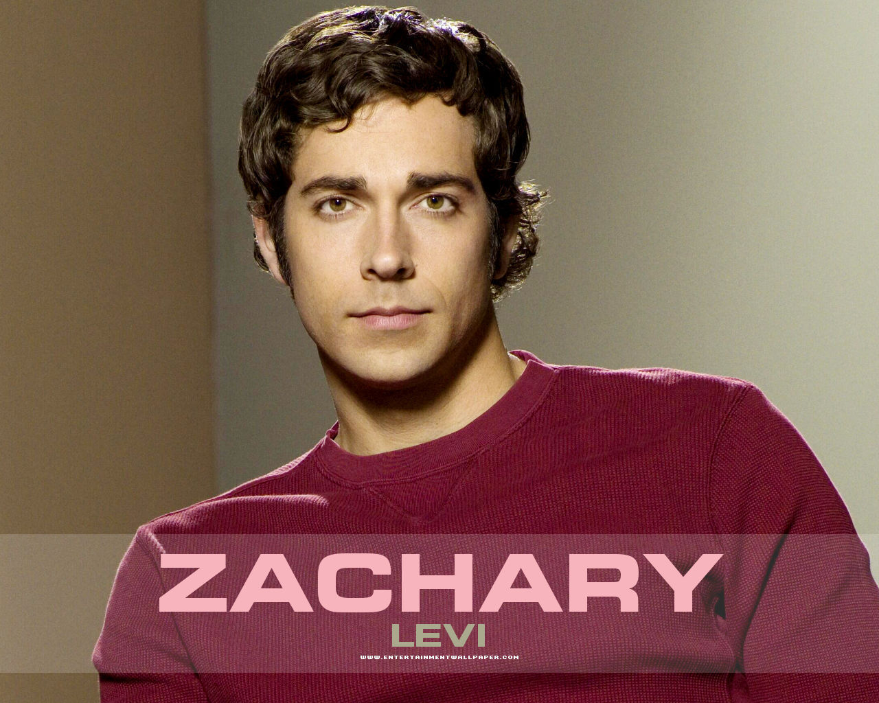 Zachary Levi - Picture