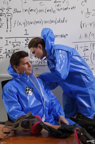 4x19 - Science In The Physicist
