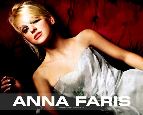 Anna Faris wallpaper with a portrait called Anna Faris