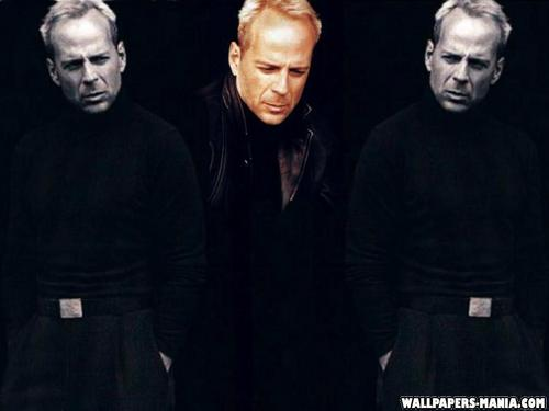 Bruce Willis wallpaper possibly containing a well dressed person entitled Bruce