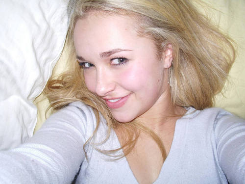 Hayden Panettiere wallpaper probably containing a portrait entitled Hayden Panettiere
