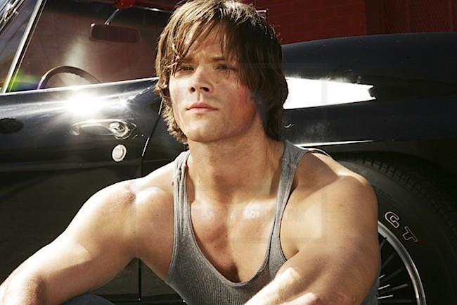 1х02 ѕнιvely laĸe - Página 2 Jared-Padalecki-Outtakes-from-TV-Guide-hottest-actors-4839189-650-433