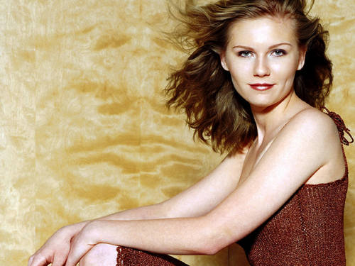 Kirsten Dunst wallpaper possibly with skin and a portrait titled Kirsten Dunst