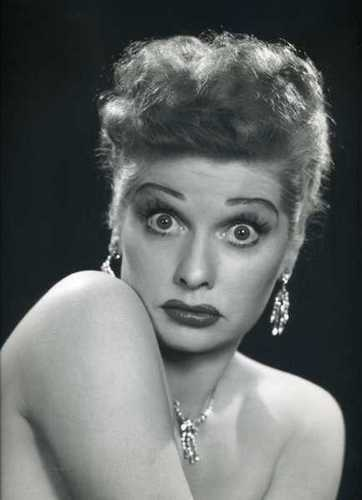 Lucille Ball پیپر وال possibly containing a portrait and skin called Lucille Ball