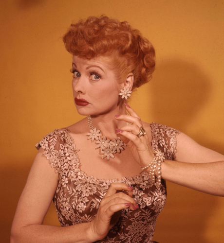 Lucille Ball 壁紙 probably containing a カクテル dress and a ビスチェ called Lucille Ball