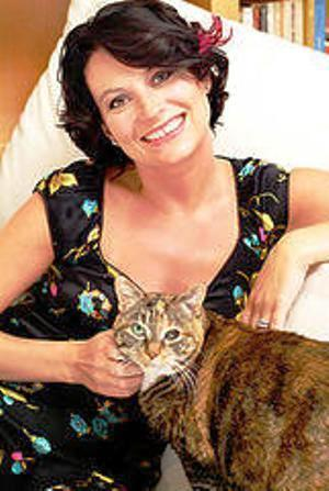 Meg Cabot achtergrond containing a tabby entitled Meg Cabot
