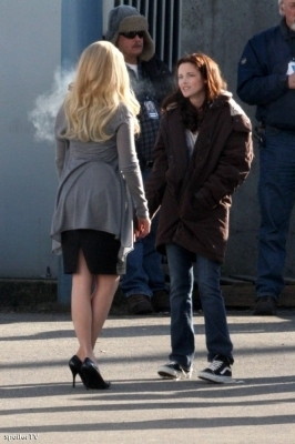 Mehr New Moon On Set Fotos
