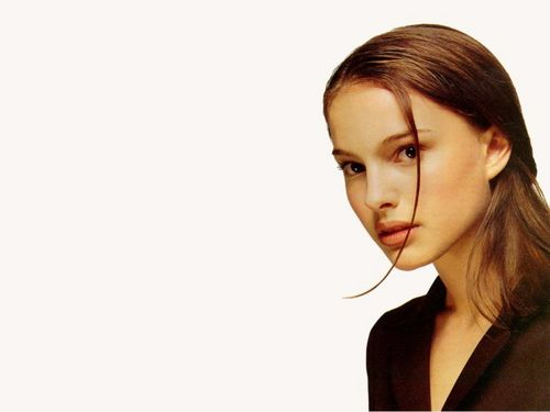 Natalie Portman wallpaper with a portrait titled Natalie Portman