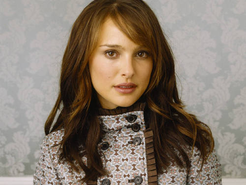 Natalie Portman wallpaper containing a blouse called Natalie Portman