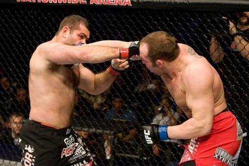 Shane Carwin vs. Gabriel Gonzaga
