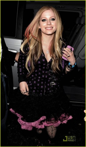 Avril Lavigne (at a Nightclub)
