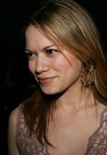 Bethany Joy Lenz <3