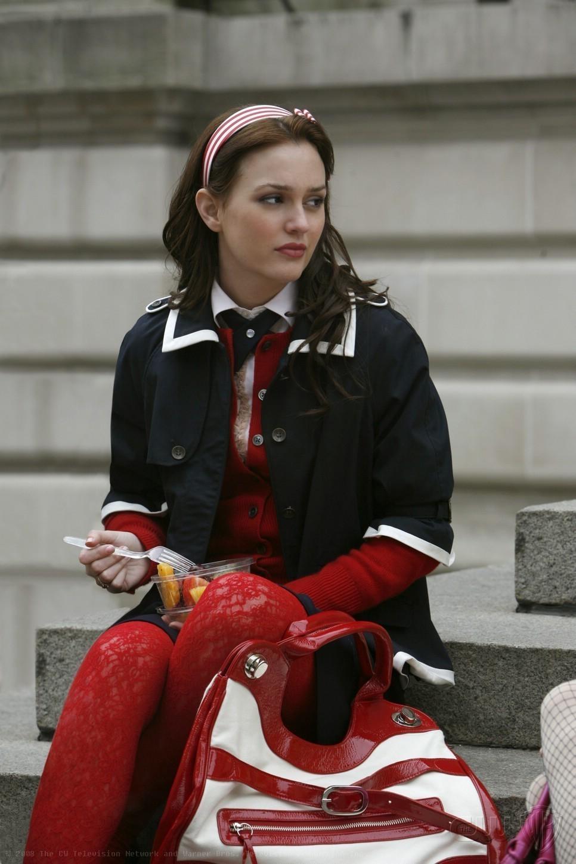 Top 10 Blair Waldorf aka Leighton Meester Outfits in ...   Blair Waldorf Style Season 1