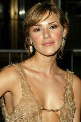 Chloe Mitchell-Elizabeth Hendrickson - the-young-and-the-restless Photo