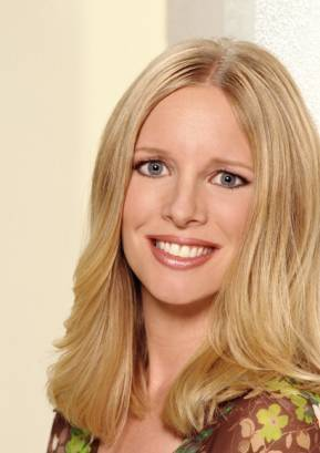 The Young and the Restless wallpaper with a portrait and attractiveness entitled Christine Blair-Lauralee Bell