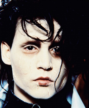 http://images2.fanpop.com/images/photos/4900000/Edward-Scissorhands-edward-scissorhands-4955809-304-368.jpg