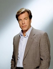 The Young And The Restless kertas dinding containing a business suit, a suit, and a three piece suit entitled Jack Abbott-Peter Bergman