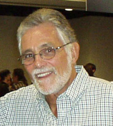 Jill's dad Arthur Hendricks played 由 David Hedison