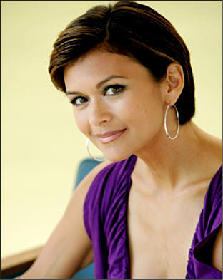 The Young And The Restless kertas dinding containing a portrait entitled Karen Taylor-Nia Peeples