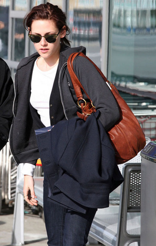 Kristen jetting out of Vancouver - March 13