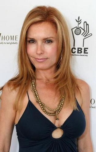 The Young and the Restless wallpaper with attractiveness and a portrait called Lauren Fenmore-Tracy Bregman