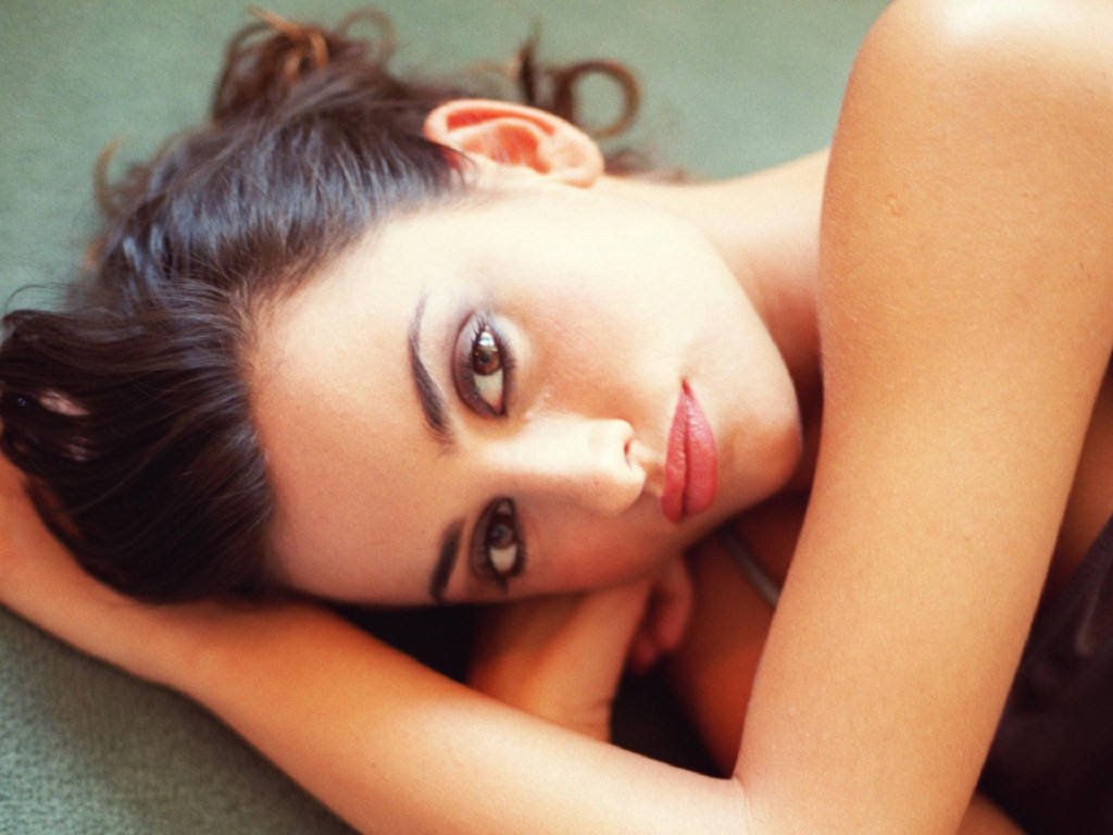 http://images2.fanpop.com/images/photos/4900000/Penelope-Cruz-penelope-cruz-4919110-1024-768.jpg