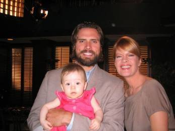 Phyllis & Nick with daughter Summer - the-young-and-the-restless Photo