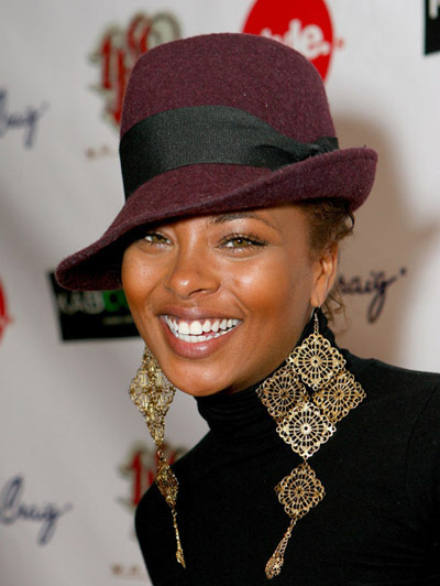 http://images2.fanpop.com/images/photos/4900000/Tyra-Devons-aunt-Eva-Pigford-Marcil-the-young-and-the-restless-4987050-400-532.jpg