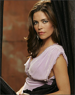 The Young And The Restless kertas dinding possibly containing a portrait entitled Victor Newman-Amelia Heinle