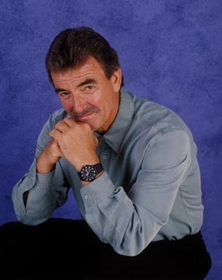 The Young and the Restless karatasi la kupamba ukuta called Victor Newman-Eric Braeden