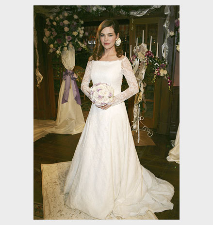 Victoria in her wedding dress - the-young-and-the-restless Photo
