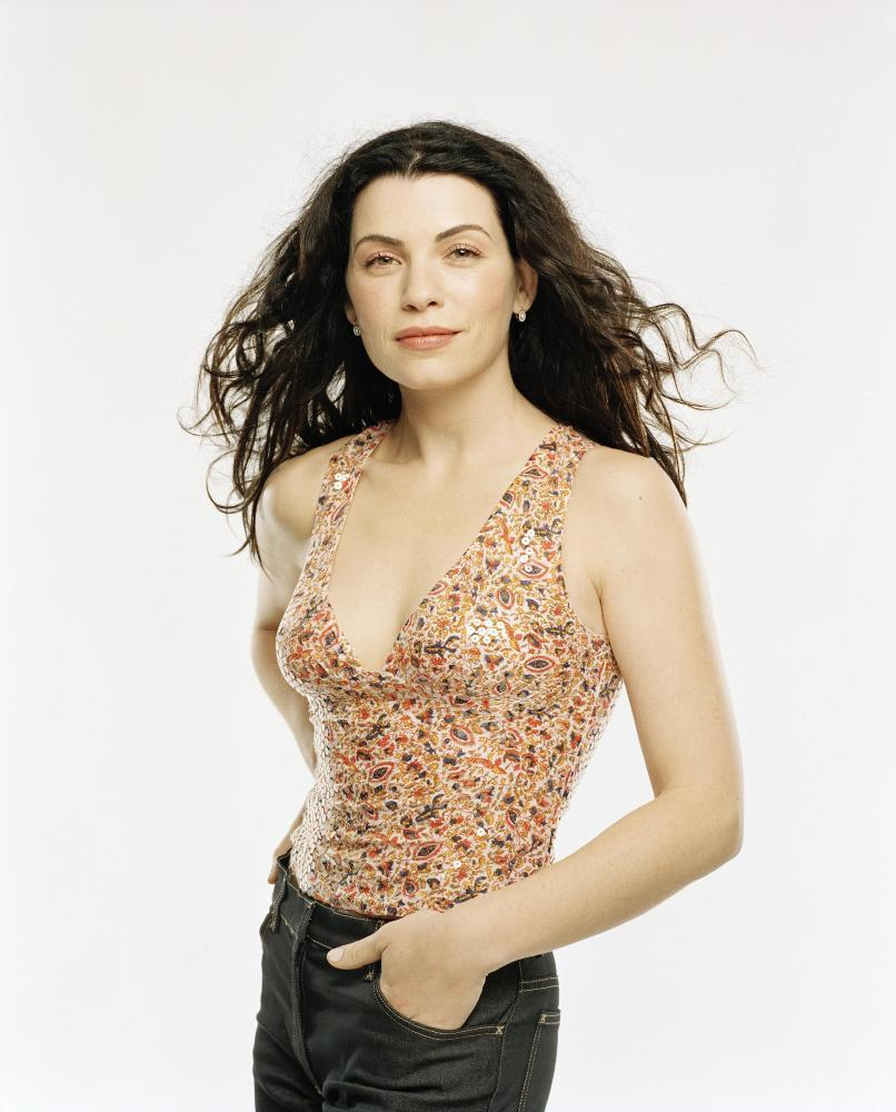 Julianna Margulies - Photo Set