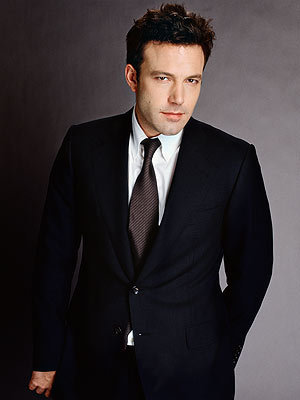 Ben Affleck Обои containing a business suit, a suit, and a single breasted suit titled Ben Affleck