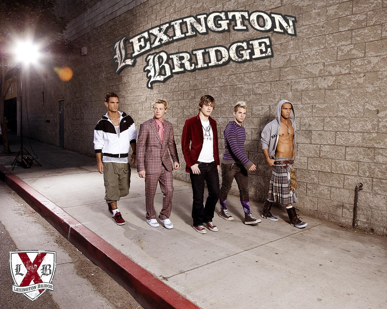 Lexington Bridge wallpaper