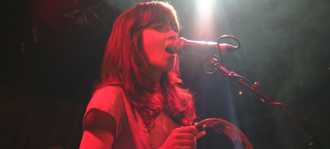 http://images2.fanpop.com/images/photos/5000000/Random-Zooey-zooey-deschanel-5045116-480-217.jpg