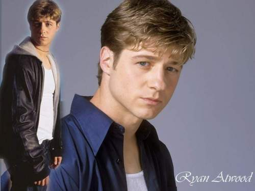 Ryan Atwood wallpaper containing a well dressed person called Ryan<3