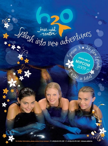 http://images2.fanpop.com/images/photos/5000000/h2o-just-add-water-cariba-heine-and-phoebe-tonkin-5065979-417-564.jpg