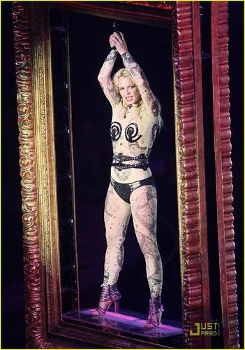 Britney - Circus' Tour