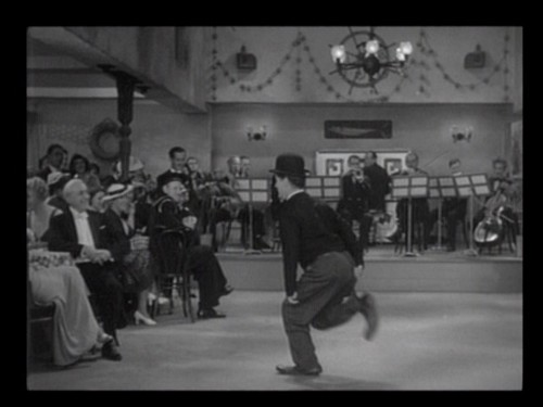 Modern Times (1936) directed by Charlie Chaplin ? Reviews, film   ...