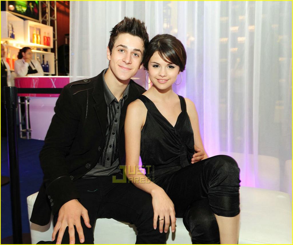 Selena Gomez Kissing David Henrie David/Selena - Dalena ...