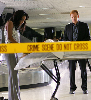 CSI: Miami wallpaper entitled Dr. Tara Price and Lt. Caine in Flight Risk