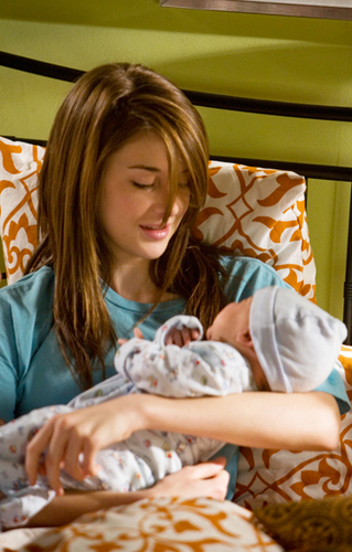 The Secret Life of the American Teenager Hintergrund probably containing a sign and a neonate titled Finally... Amy & Baby John